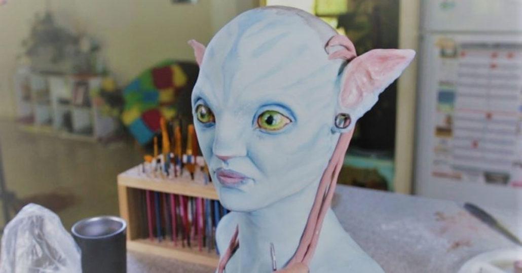 Avatar Cake - Neytiri - Braids made of edible icing